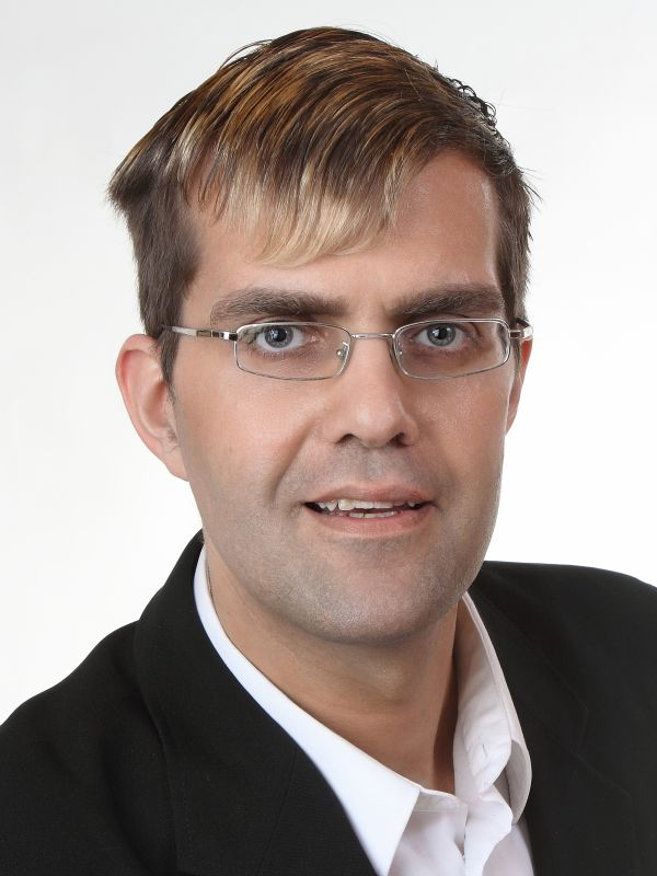 <b>Jens Walkenhorst</b> - 64_portrait